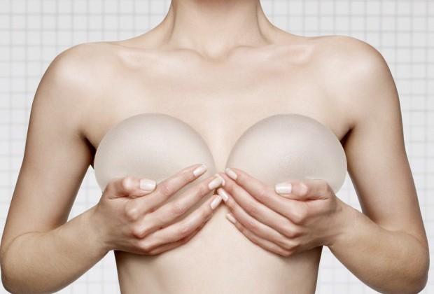 Implants mammaires : choisir la bonne taille !